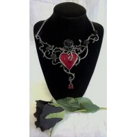 ALCHEMY GOTHIC DESIGNS NECKLACE – BED OF BLOOD ROSES