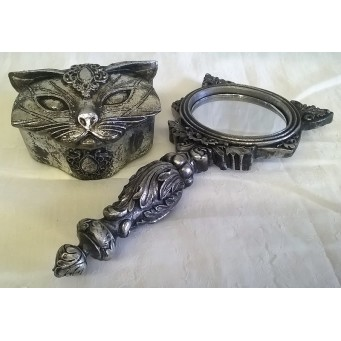 ALCHEMY GOTHIC DESIGNS DRESSING TABLE GIFT SET – SACRED CAT HAND MIRROR & TRINKET BOX