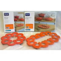 DENBY CAST IRON TRIVET SET