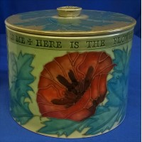 DENNIS CHINAWORKS GREEN POPPY LIDDED BOX