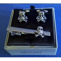ONYX-ART CUFFLINK & TIE BAR SET – SKULL & CROSSBONES