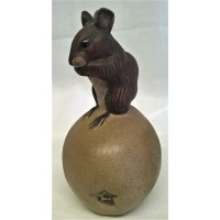 POOLE POTTERY STONEWARE MOUSE ON AN APPLE – ACRYLIC ANIMALS COLLECTION