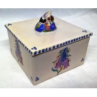 POOLE POTTERY TRADITIONAL CL BLUEBELLS PATTERN BEE FINIAL HONEY BOX – DORIS MARSHALL (ATKINS)