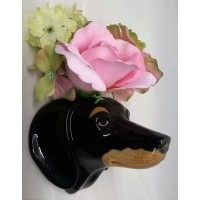 QUAIL DACHSHUND WALL VASE – BLACK & TAN