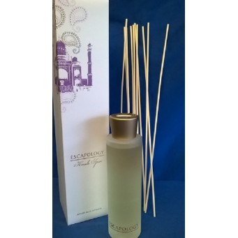 ASHLEIGH & BURWOOD ESCAPOLOGY KERALA SPICE REED DIFFUSER