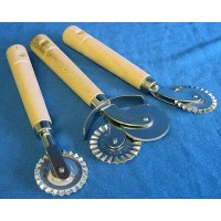 EPPICOTISPAI ITALIAN MADE THREE PIECE PASTRY OR PASTA CUTTER SET